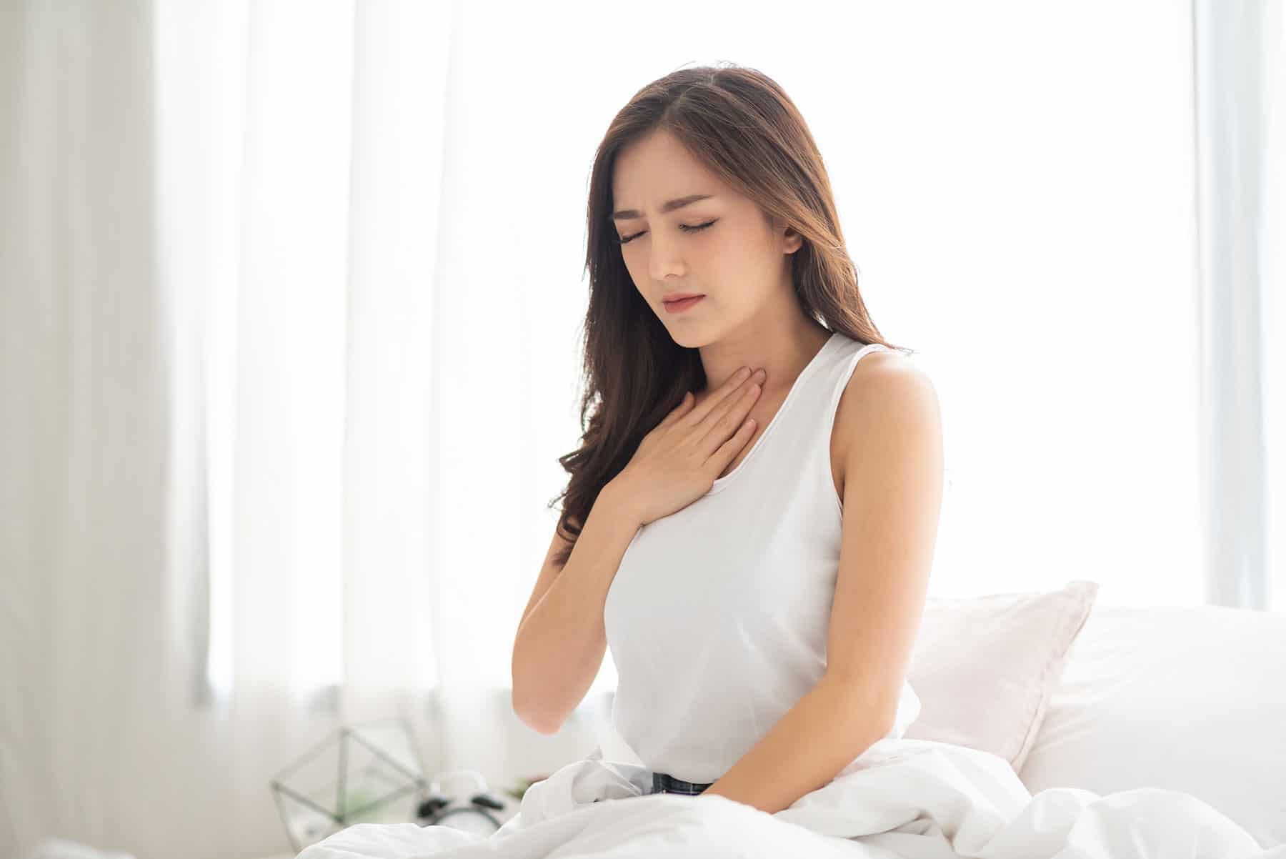 woman-suffering-from-acid-reflux